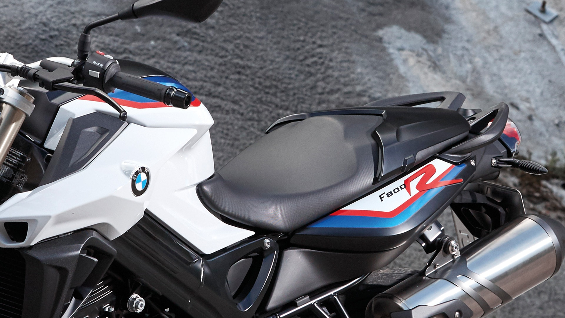 bmw f 800 r chaque jour vous appartient bmw motorrad. Black Bedroom Furniture Sets. Home Design Ideas